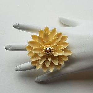 LILY POND RING CREAM NEW